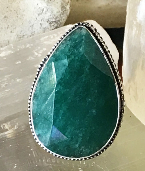 Emerald Natural Genuine Faceted Gemstone .925 Sterling Silver Ring (Size: 9)