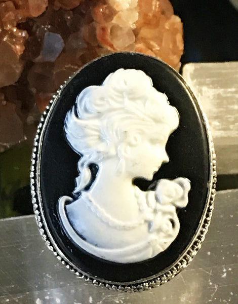 Cameo Black and Ivory .925 Sterling Silver Ring (Size 8.75)