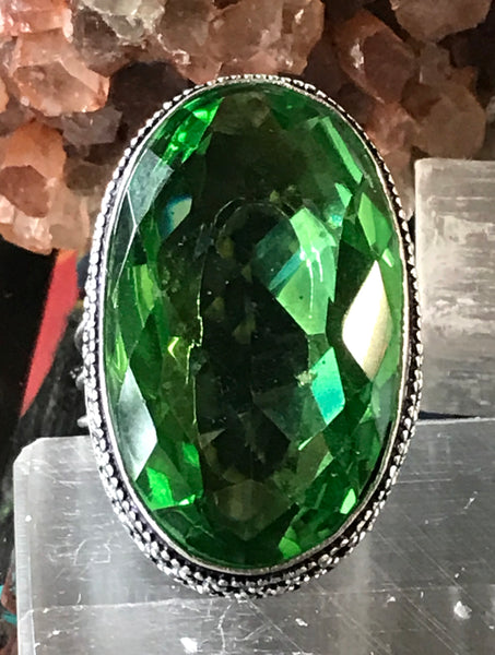 Peridot Natural Faceted Gemstone .925 Sterling Silver Ring (Size: 9)