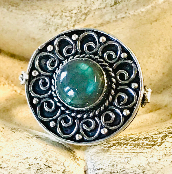 Labradorite Rainbow Gemstone .925 Sterling Silver Poison Ring (Size 8.5)