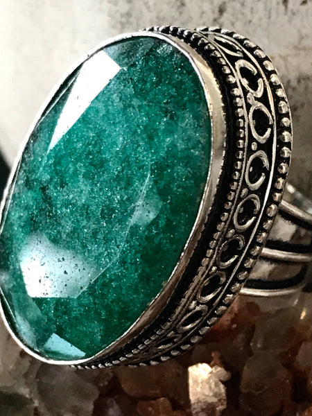 Emerald Natural Genuine Faceted Gemstone .925 Sterling Silver Ring (Size: 7)