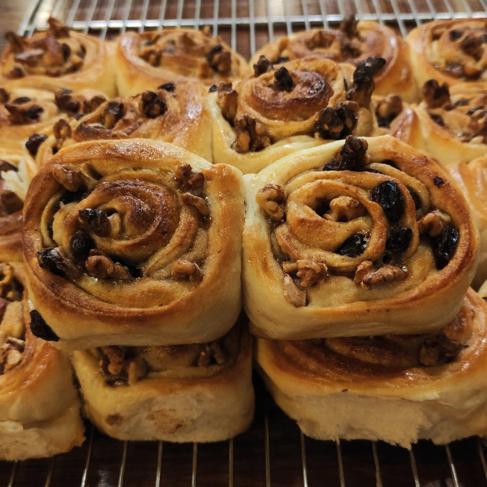 [Delivery] 2 Pieces of Cinnamon Roll with Walnut & Raisin Sourdough