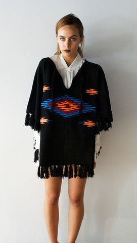poncho3_3056b0fb-6fd9-4846-abe1-8a2a123693be_large
