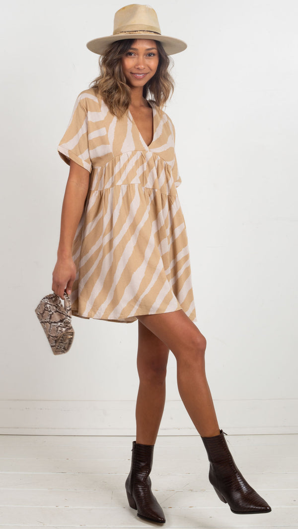 Cora Back Tie V-Neck Dress - Taupe