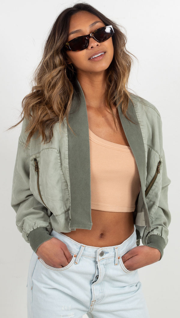 crop jacket zipper pocket in the front green