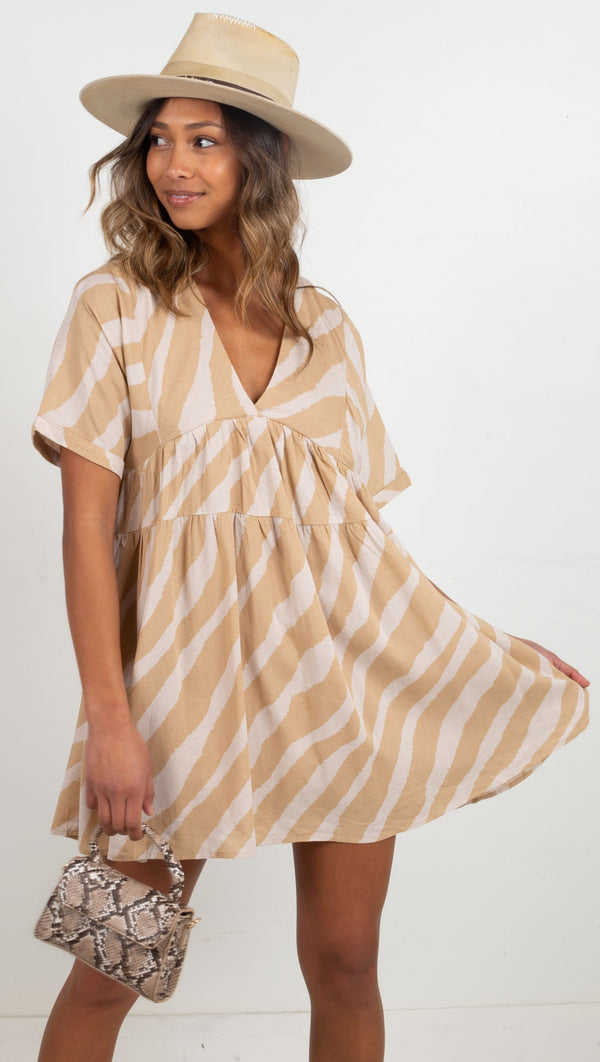 flowy tie in the back v neck dress tan