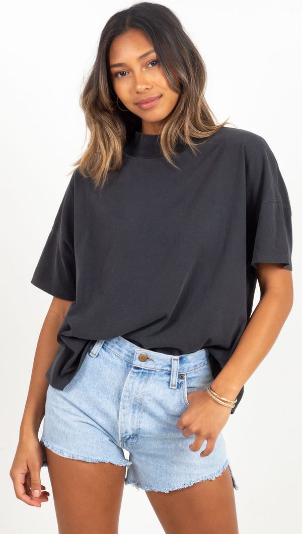 simple high neck tee black