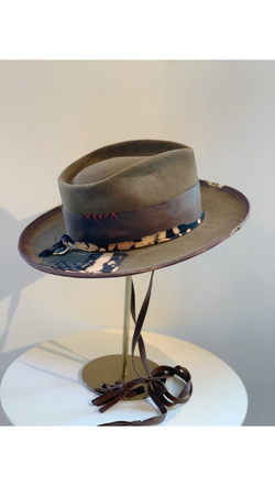 Brown/Patch + Leather Band Hat
