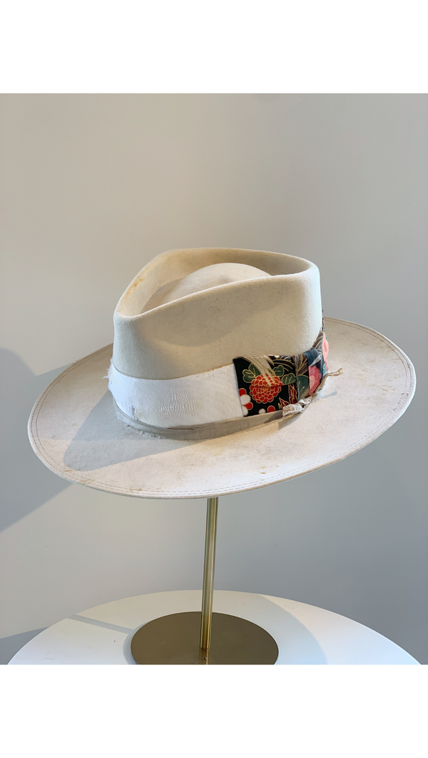Bone/Contrast Japanese Bow Hat