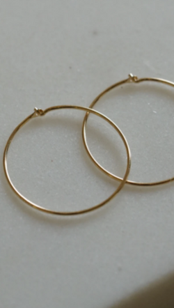 Gjenmi 14K Gold Large Thin Everyday Hoops