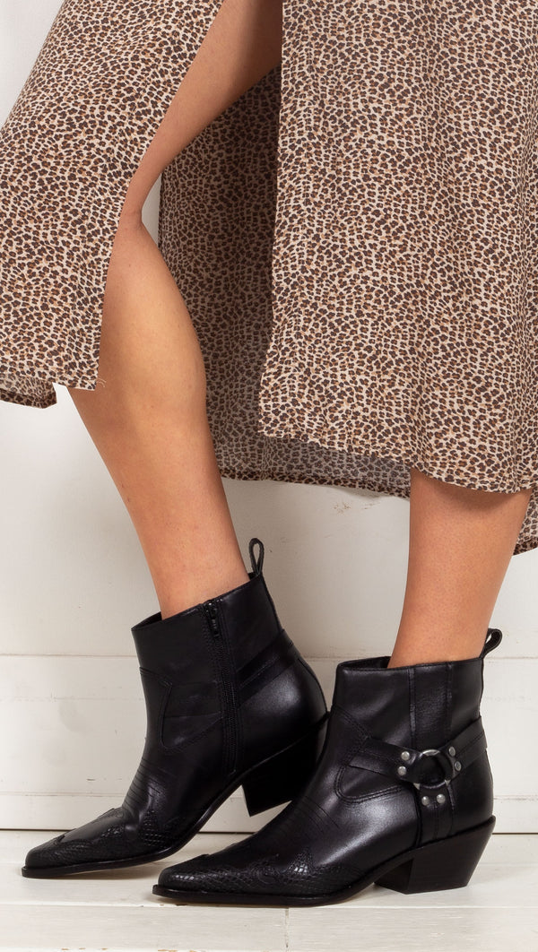 Matisse black booties