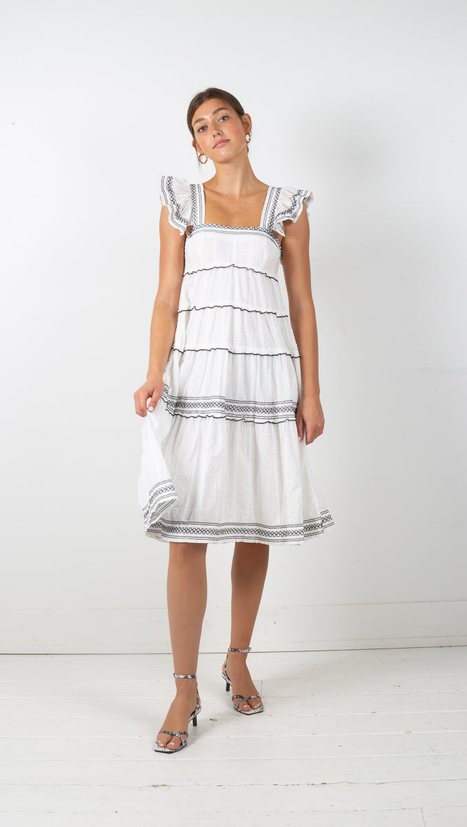 Vagabond tulum white ruffled midi dress
