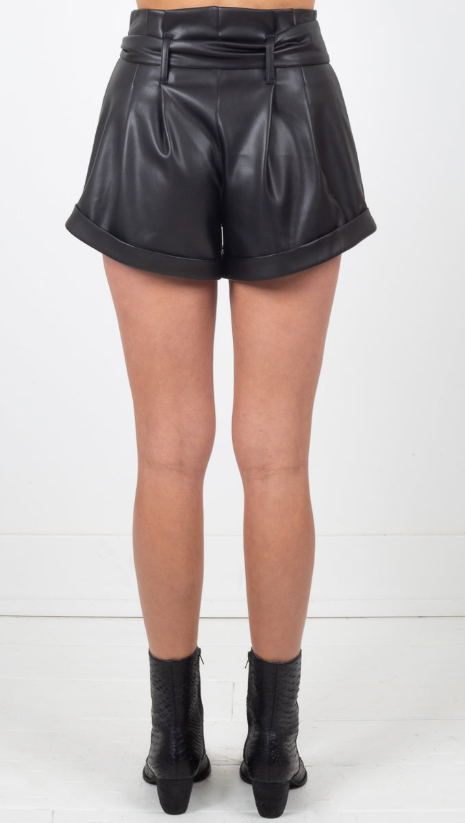 Afton Faux Leather Shorts - Noir