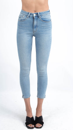 RES light wash cropped skinny jeans