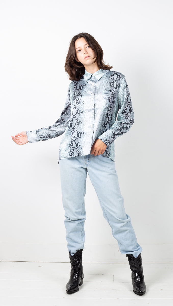 Esme Button Down - Bleu Pastel Snake