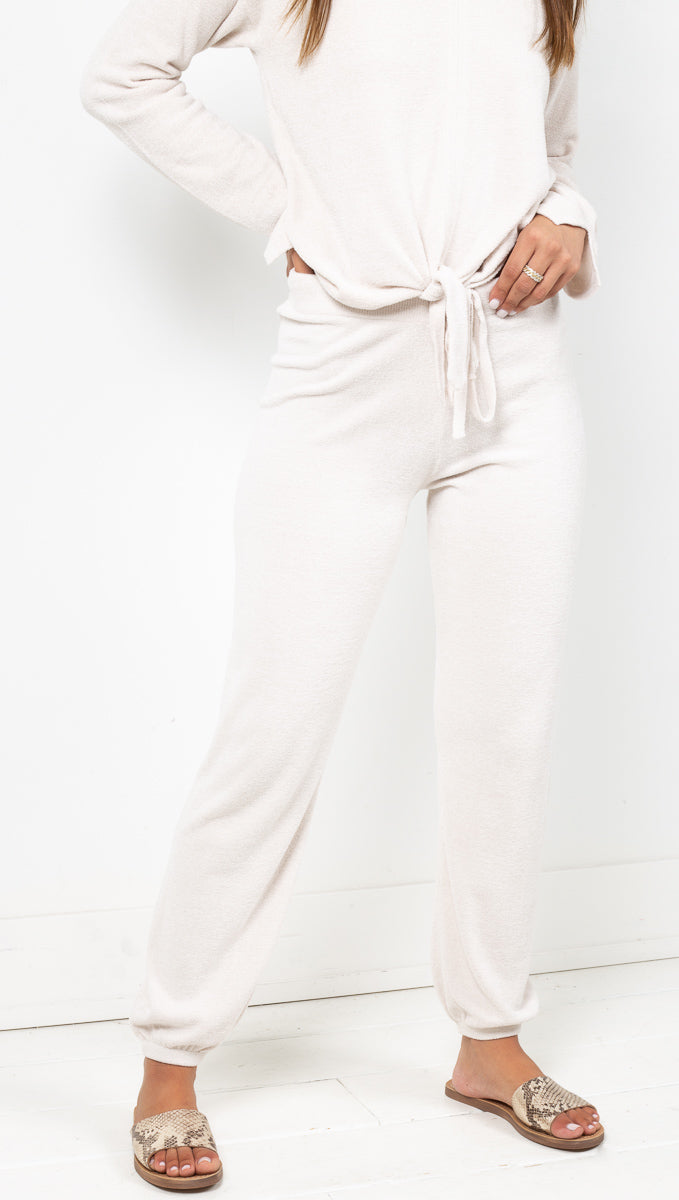 Barefoot Dreams Off White Plushy Soft Joggers with Elastic Cuffs