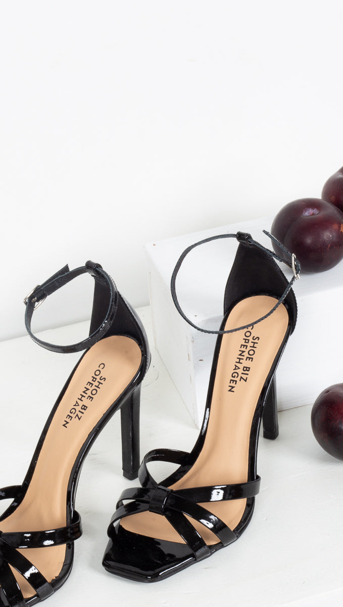 Nora Patent Leather - Black