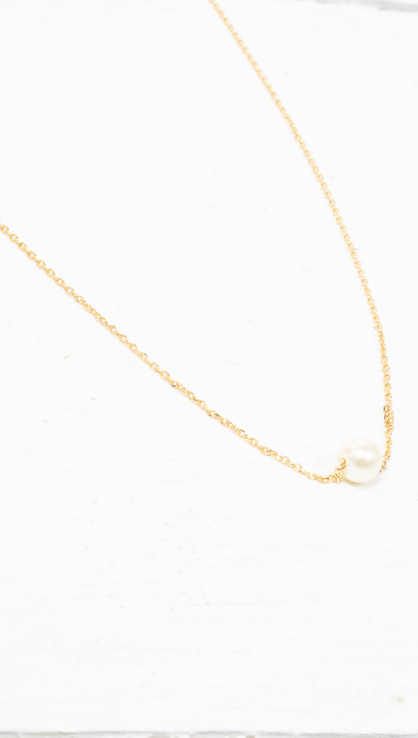 étoile Gold Dipped Single Pearl Charm Necklace