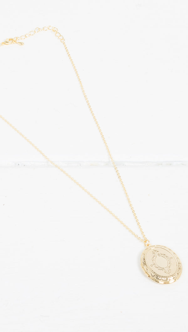 Etoile Sarah Gold Oval Locket Necklace