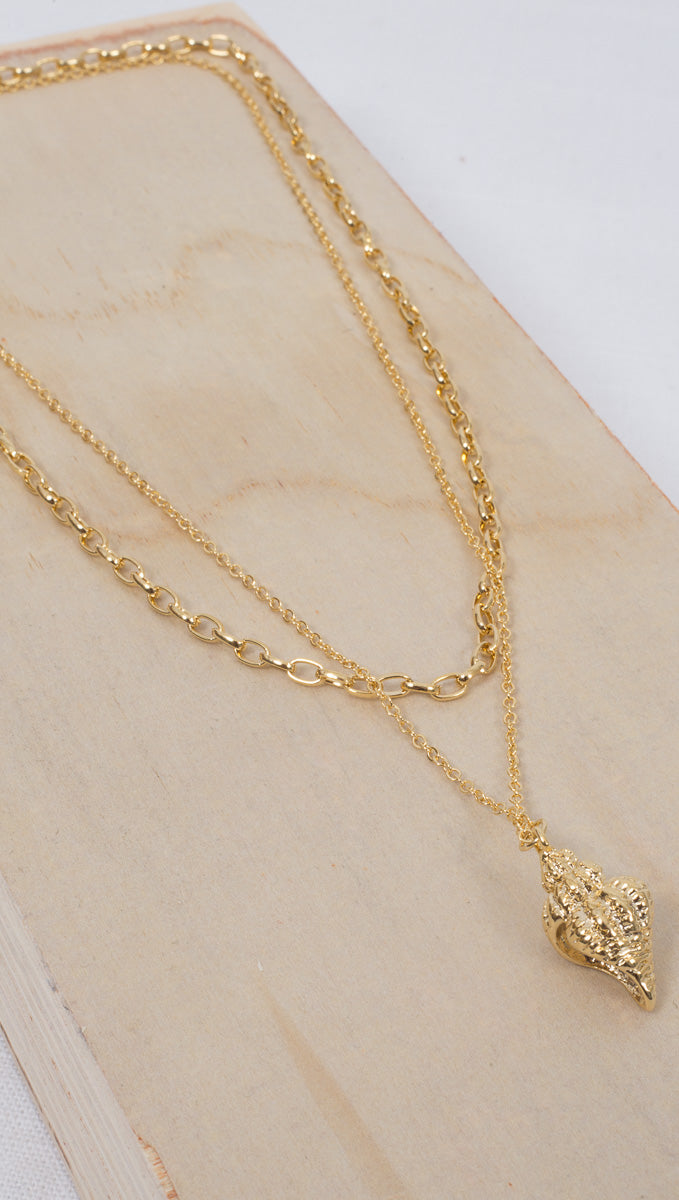 etoile Gold Plated Prelayered Seashell Charm Necklace