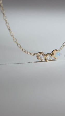 Gjenmi 14K Gold Chain Necklace With White Diamond and Opal Stone