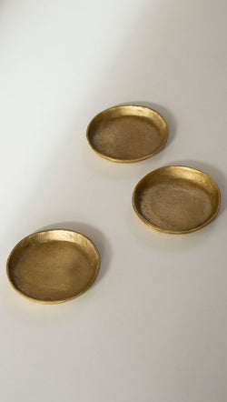 Tiny Cast Round Plate - Brushed Brass