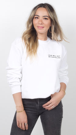 White Long Sleeve Crewneck Sweatshirt With Printed Quote