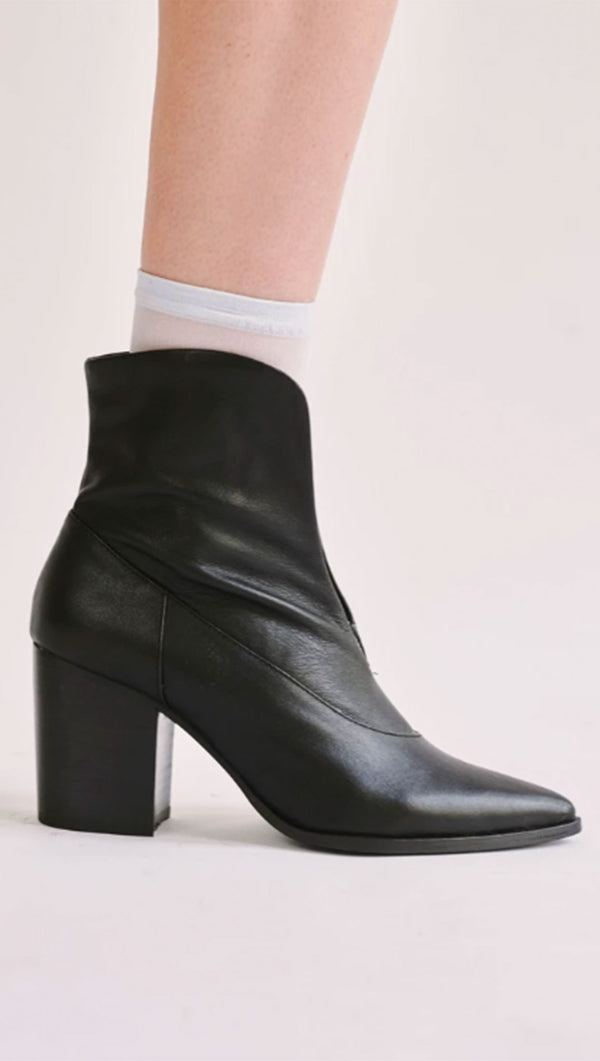 Scallop Ankle Boot - Black
