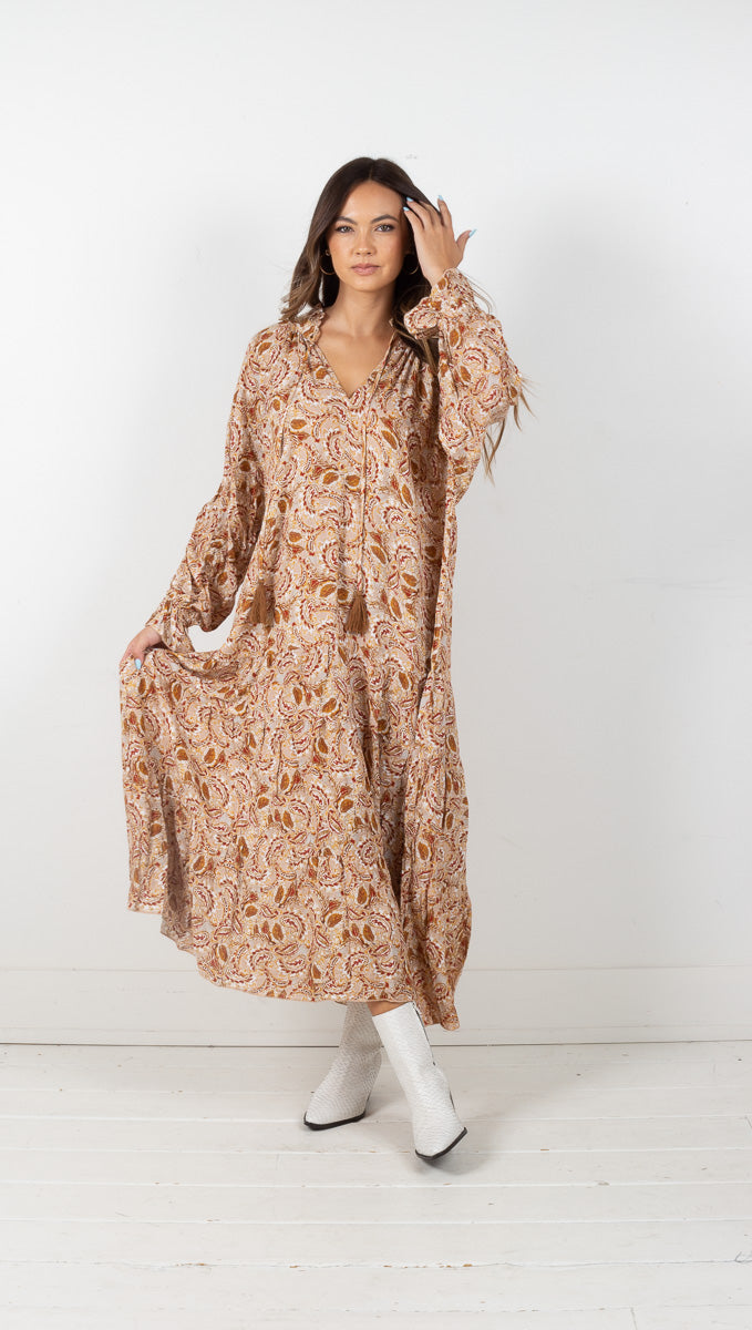 Dacey Paisley Maxi Dress - Tan/Red