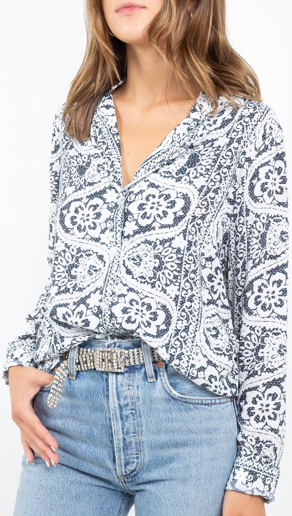 Novella Royale white/navy print button down long sleeve shirt