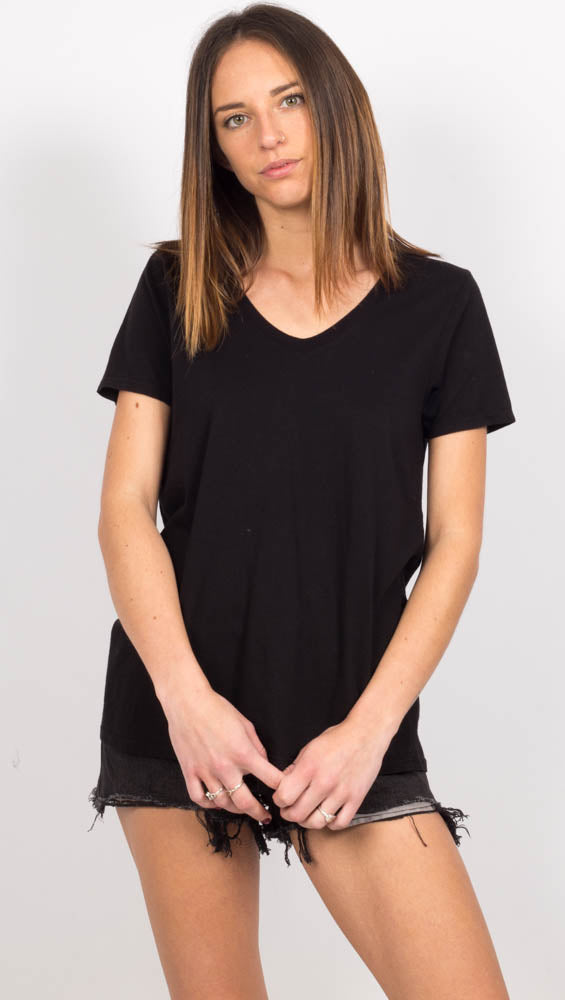 Black Short Sleeve Scoop Neck Tshirt