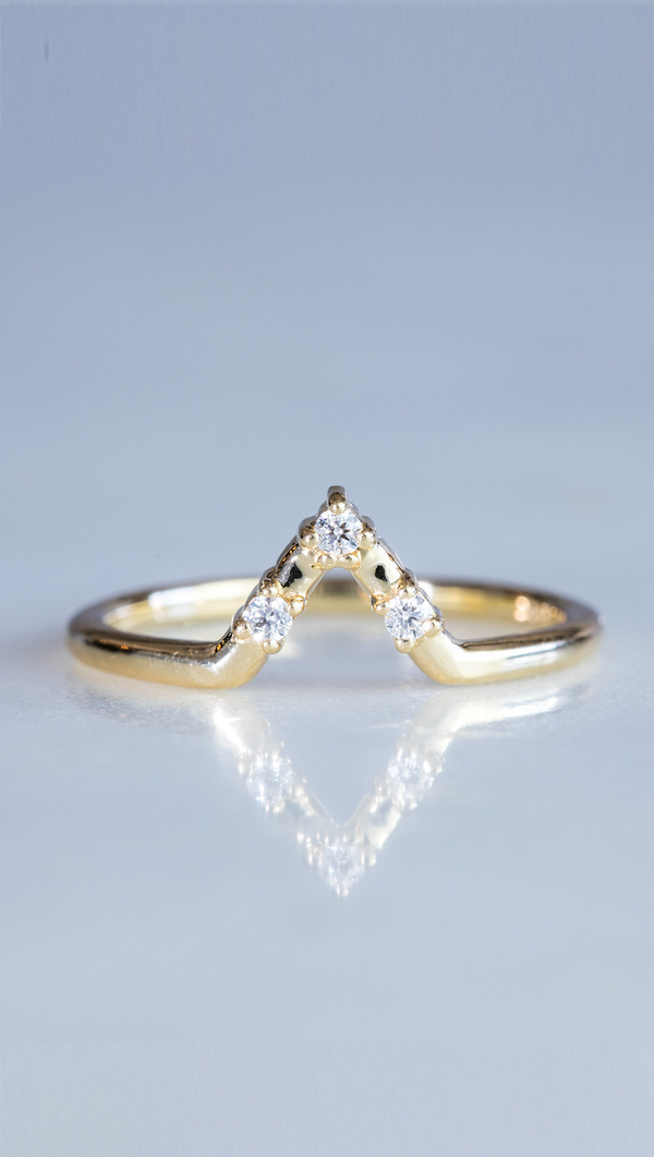 Marrow Fine gold arrow stack ring with white diamonds