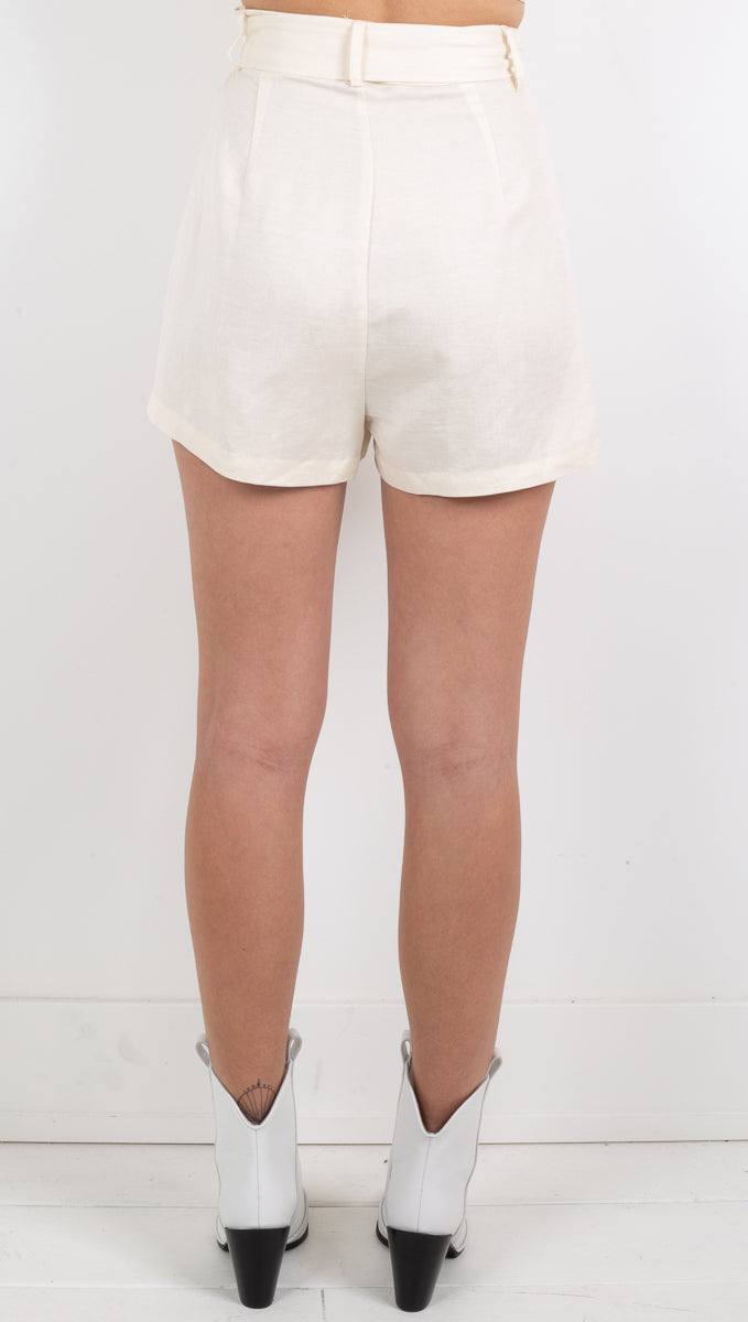 Ria Linen Belted Short - Off White
