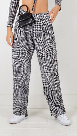 motel sakila trouser in wavey dogtooth