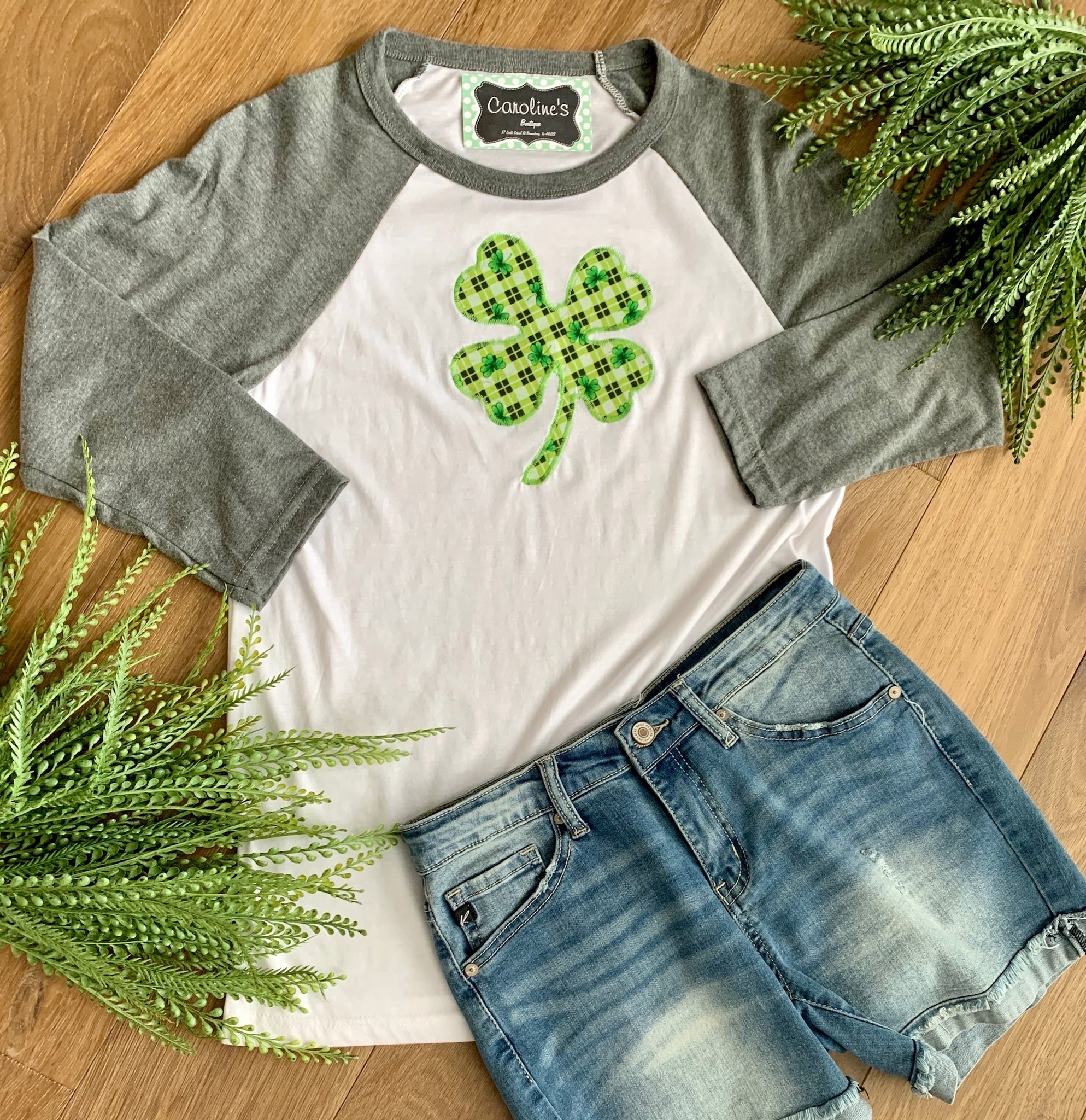 Shamrock baseball tee grey sleeve