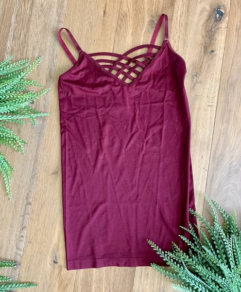 Criss cross adjustable tank