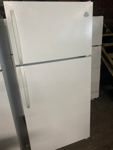 WESTINGHOUSE TOP FREEZER REFRIGERATOR..
