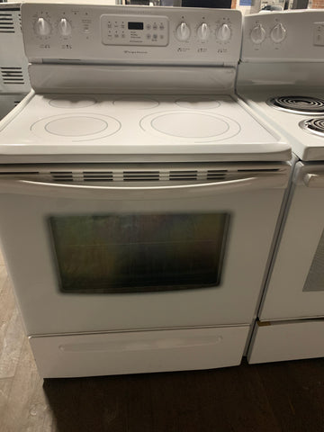 FRIGIDAIRE GALLERY EXPANDABLE ELEMENT ELECTRIC GLASS TOP RANGE..