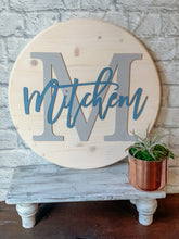 "Load image into Gallery viewer, 18"" Custom Round Wood Sign"