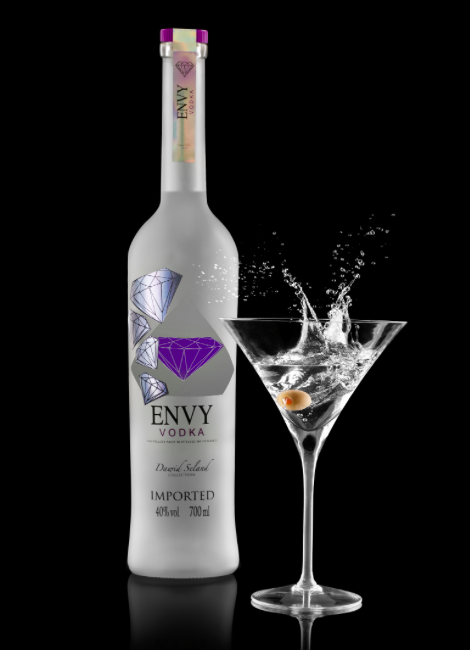 2 x Envy Vodka 40% 70 cl +  2 x Moët Chandon Brut 75cl