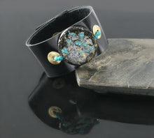 Load image into Gallery viewer, Glow Cuff Turquoise Dazzle