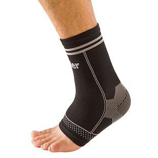 Mueller 4-Way Stretch Ankle