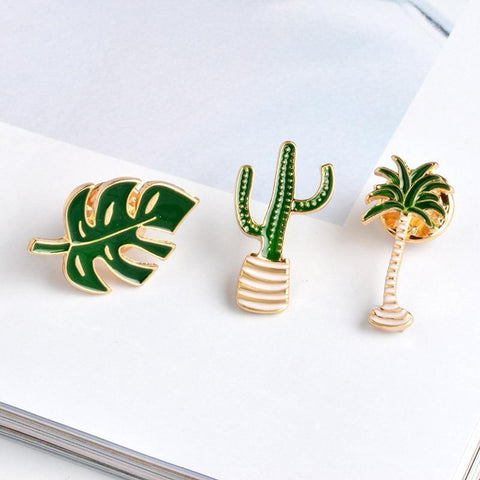 Plant shape brooch