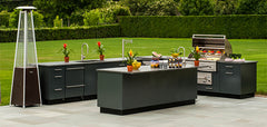 MODERN OUTDOOR KITCHEN