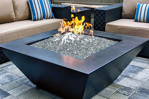 A close-up image o fthe Zoid modern fire pit from Creative Living.