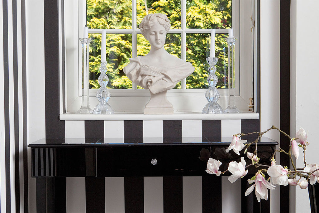 glam black and white statue entrance