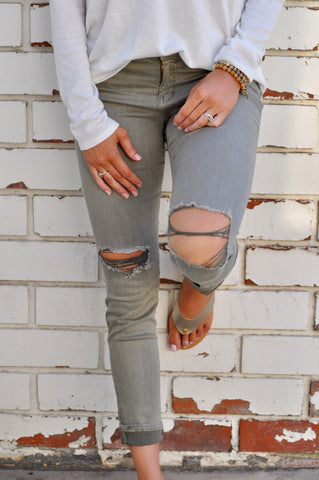 Hampton Distressed Skinny