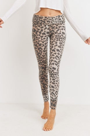 Cuddle Up Leopard Leggings