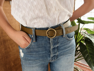 Minimalist Copper-Tone Circle Buckle Belt in Olive