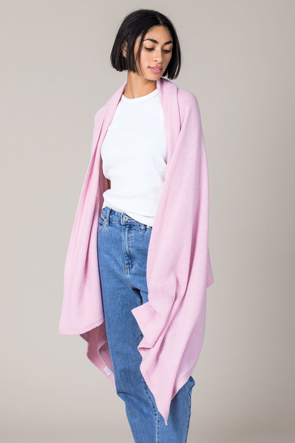 Cashmere Travel Wrap in Glamour Pink